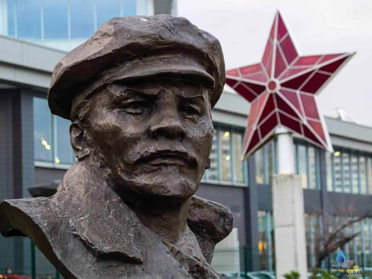 The old man and the five-pointed red star, which are a symbol of the Communism shown in the Museum of Socialist Art